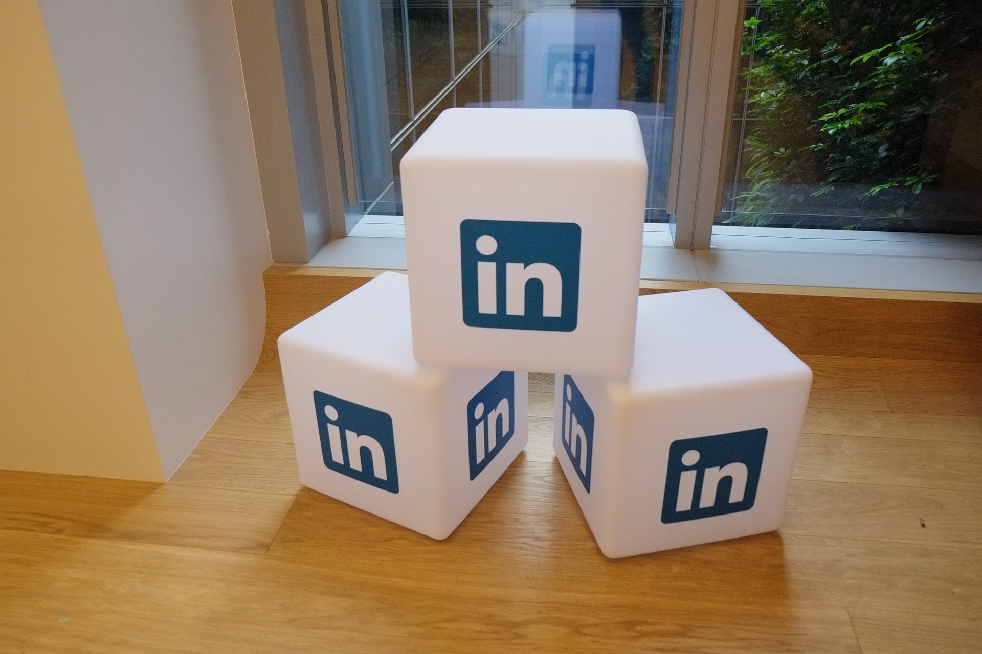 3 reasons why your whole workforce should be active on LinkedIn!